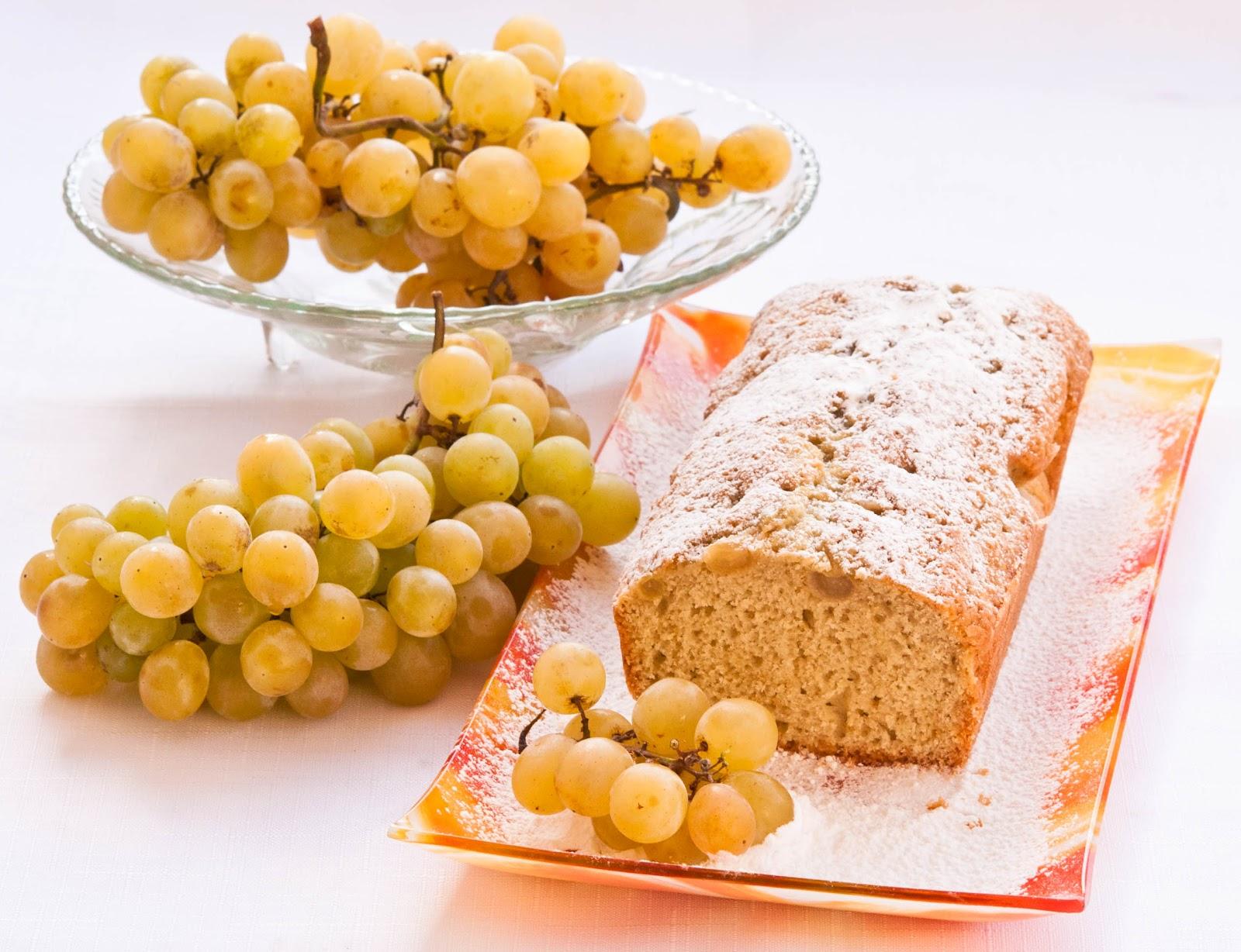 Кекс с грозде и вино