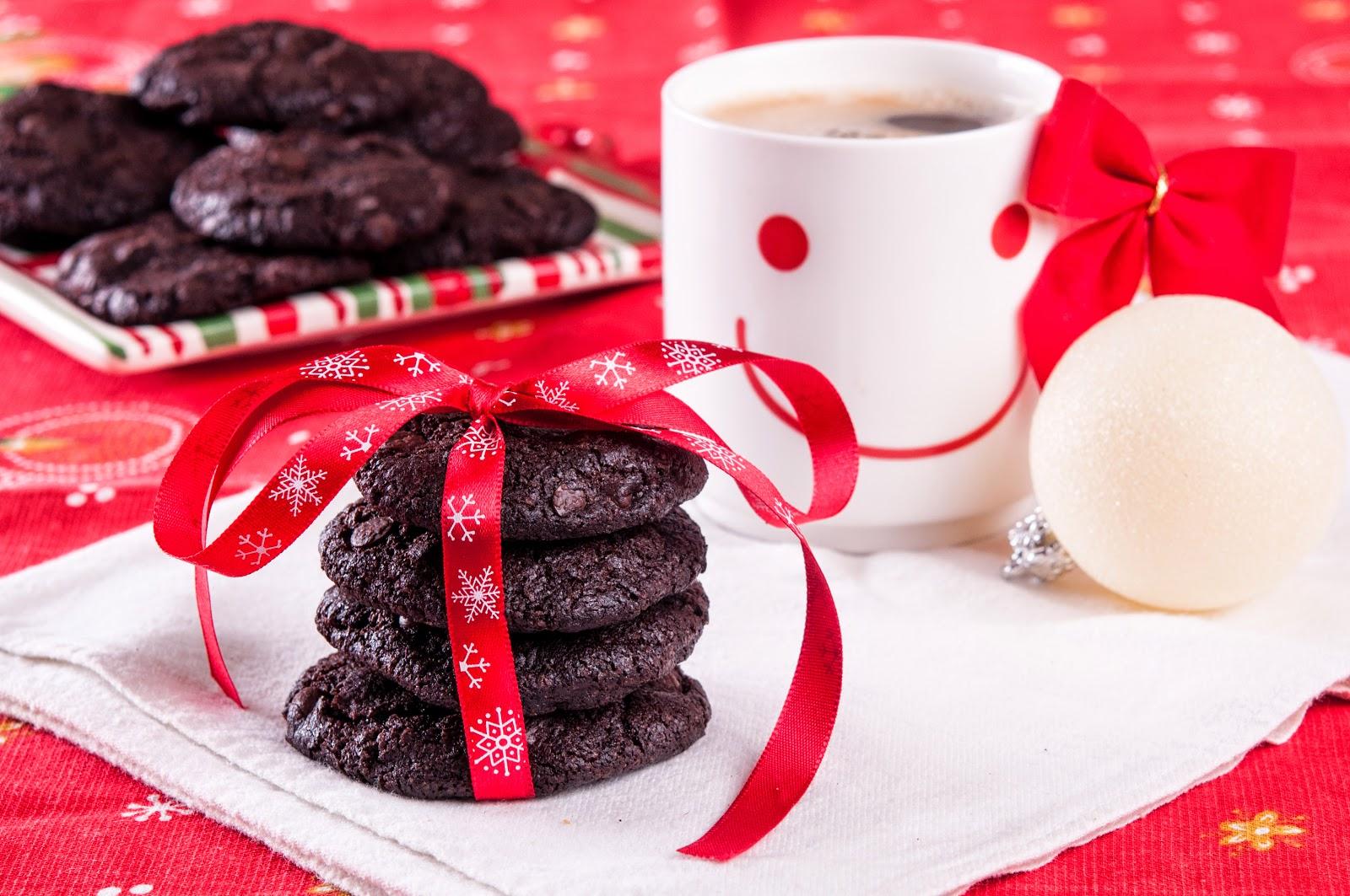 Шоколадови бисквити с парченца шоколад