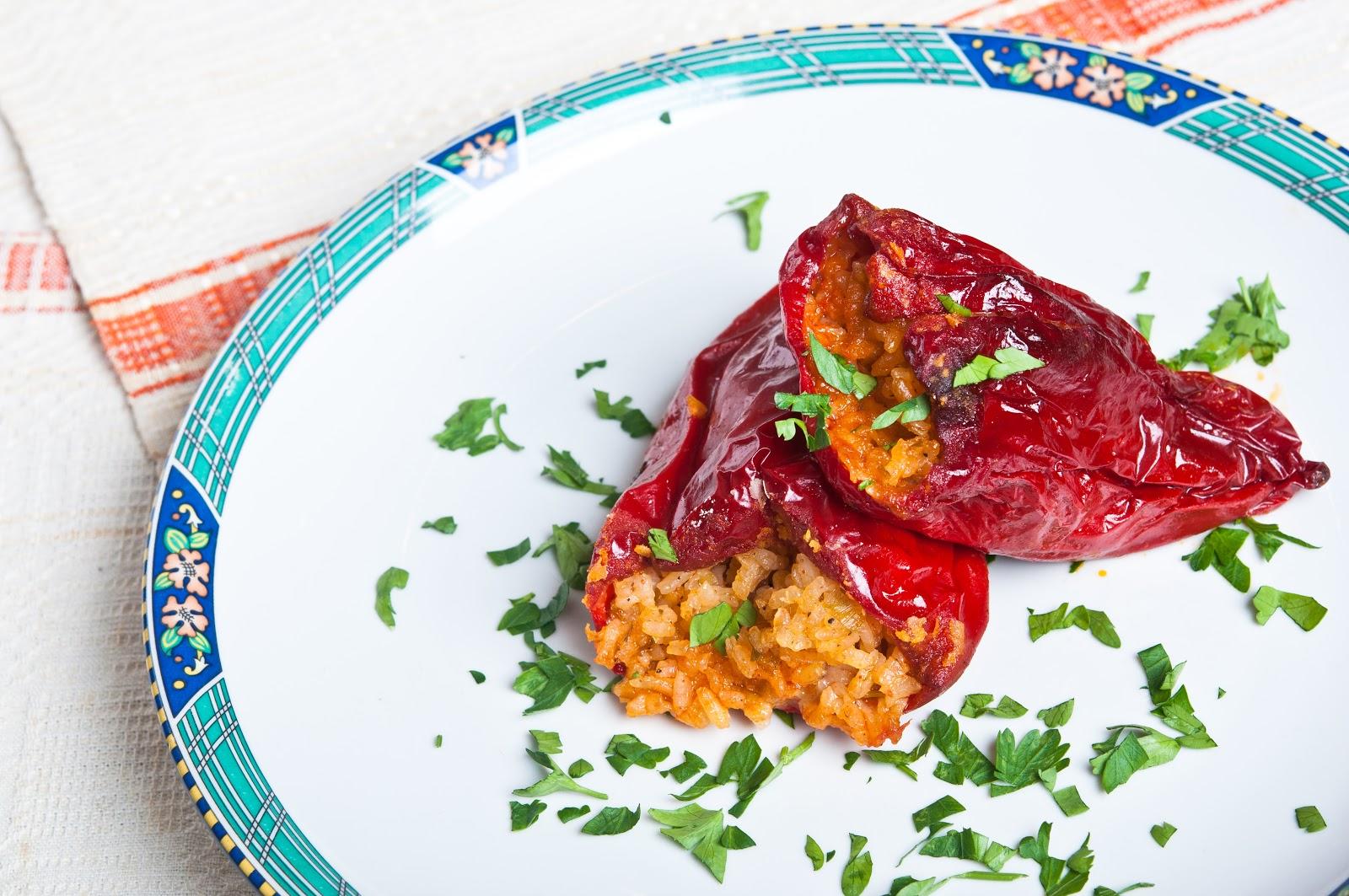 Пълнени постни чушки / пиперки с ориз