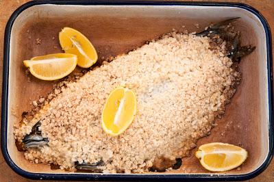 Скумрия на фруна в сол