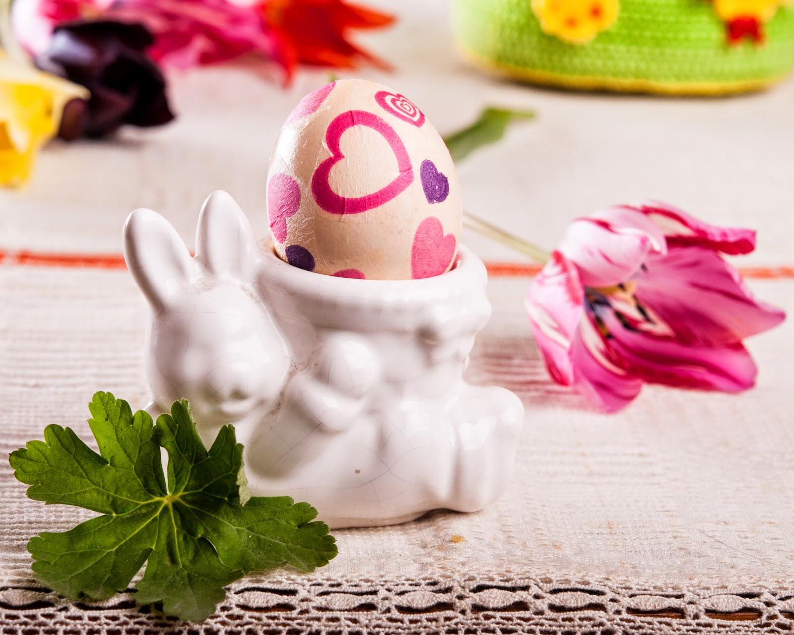 Великденски яйца украсени с техника декупаж